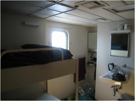 ::2009:PMC 09:cabin and window.jpg